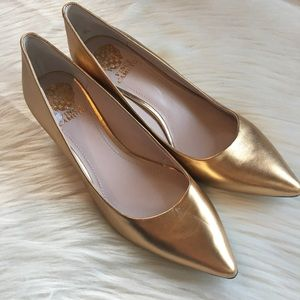 Vince Camuto new gold heels 9M pointed toe